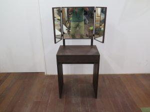 ウォールナットのドレッサー(三面鏡)